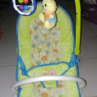 Babyelle fold up infant seat