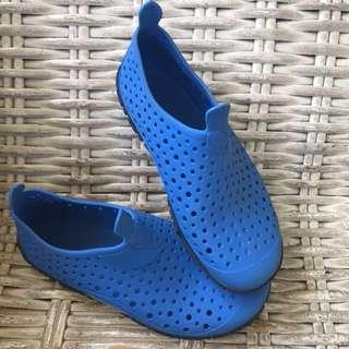 Speedo swim shoes