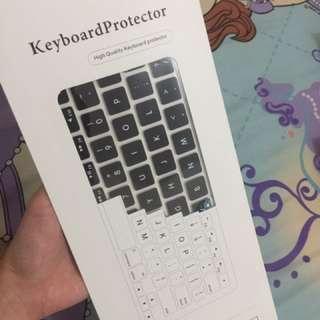 Keyboard protector (macbook pro 13inch)