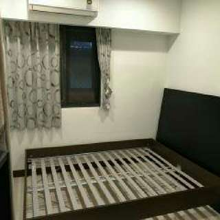 Ikea 二手床,僅欲賣床架,床況很好。