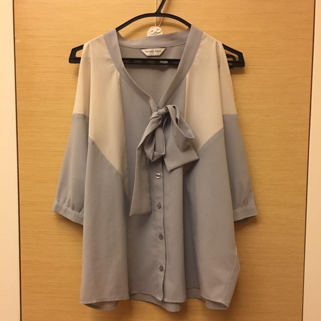 灰藍撞色挖肩雪紡襯衫式上衣 百貨專櫃品牌