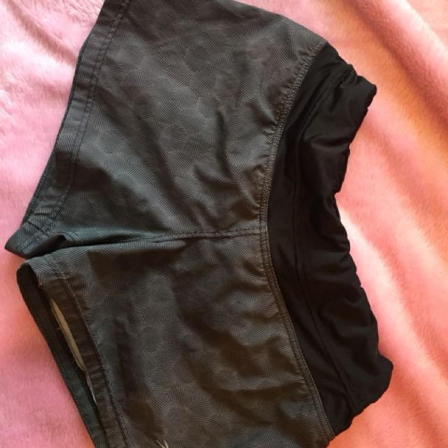 Active sports shorts size: S