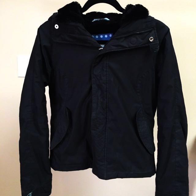 Aritzia black winter jacket size SMALL