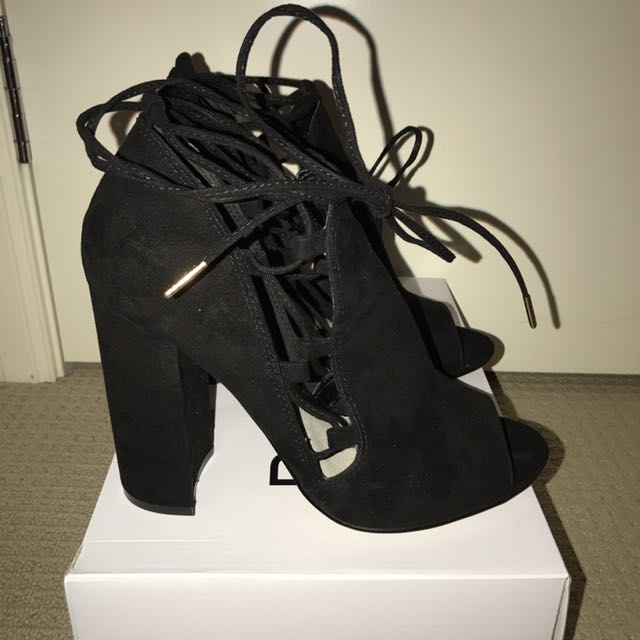 Bank black heels