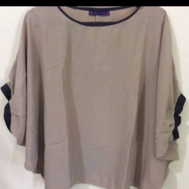 Batwing top brown