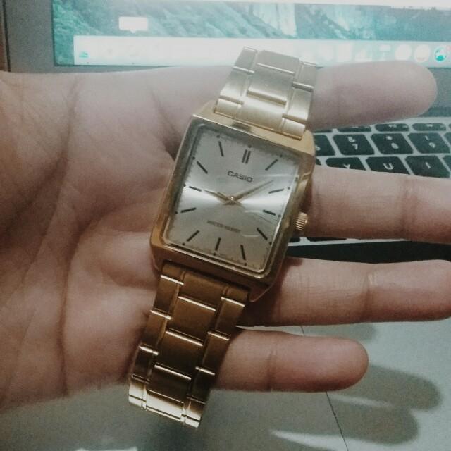 Casio (GOLD)