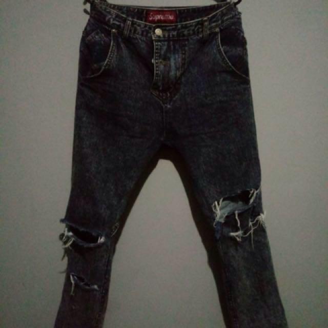 Celana jeans supreme
