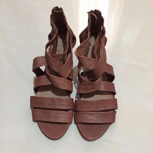 Clarks leather sandals (heels)