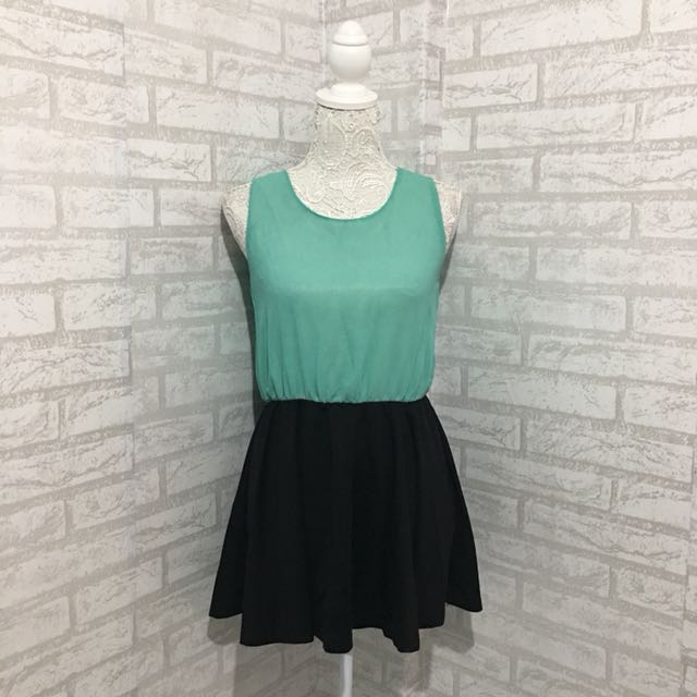 Green and Black Sleeveless Top