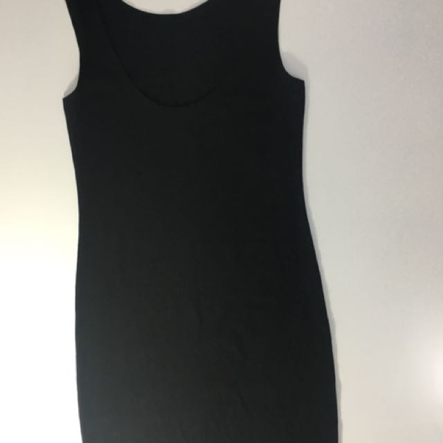 H&M SLEEVELESS BLACK DRESS
