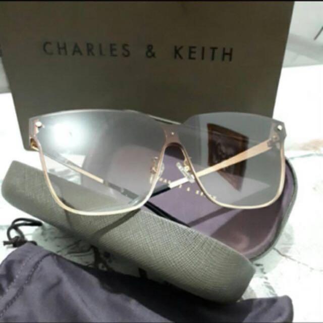 Kacamata charles n keith