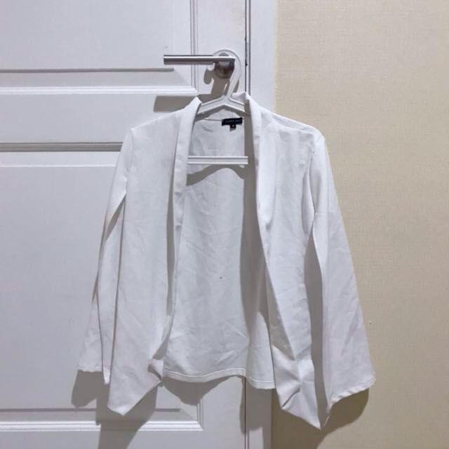 KOREAN WHITE BLAZER MEREK ' CLOTH INC'