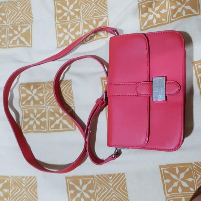 Mango sling bag red color