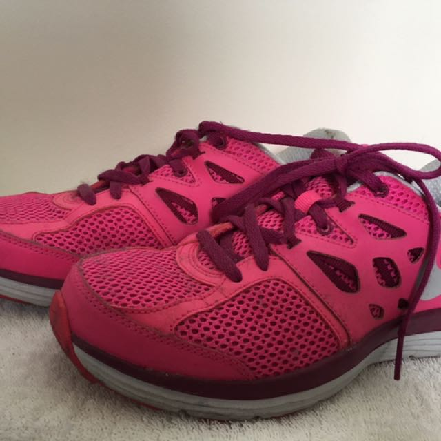 fa5308648a27 NIKE runners (Pink) - US size 8