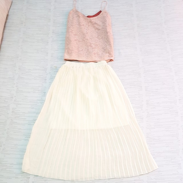 OOTD SET: Pleated Skirt + White Floral Cropped Blouse + Pink Floral Spaghetti Strap Blouse