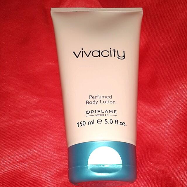 Oriflame viva city perfumed body lotion