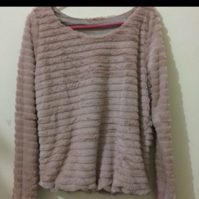 Pink sweater ( bulu )