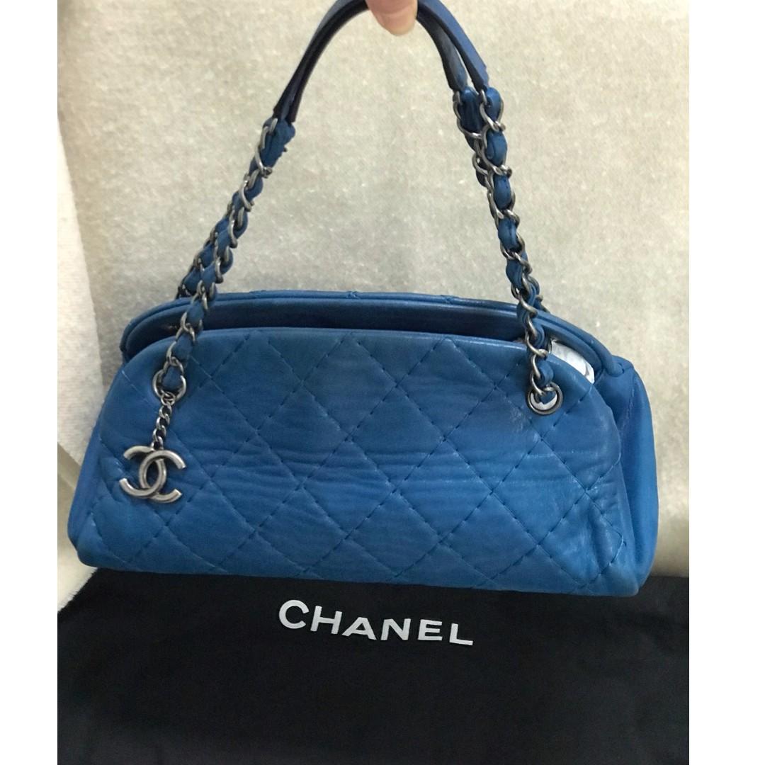 Preloved Chanel Mademoiselle Bowling Bag (Medium), Luxury, Bags ... da33d158f6