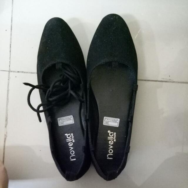 Sepatu Flat Hitam Size 39kecil