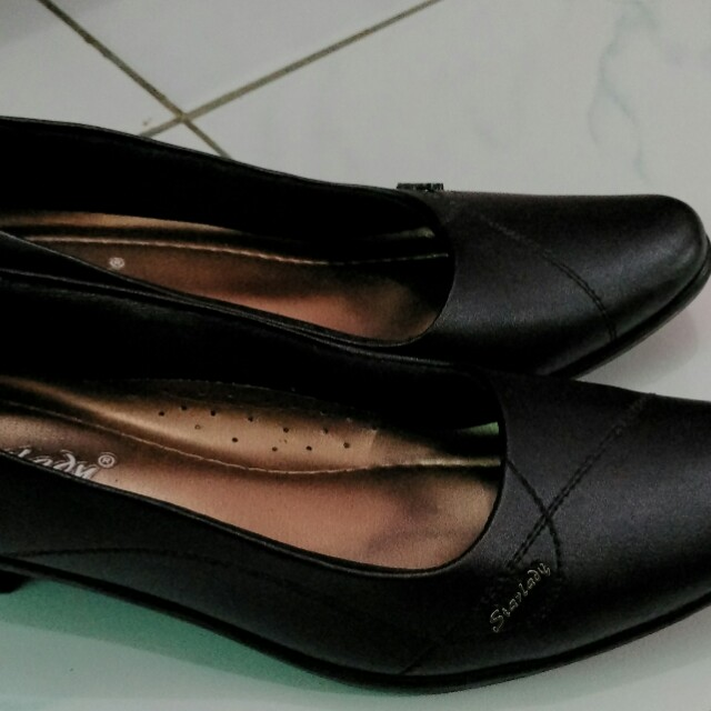 Sepatu kerja (pantopel)