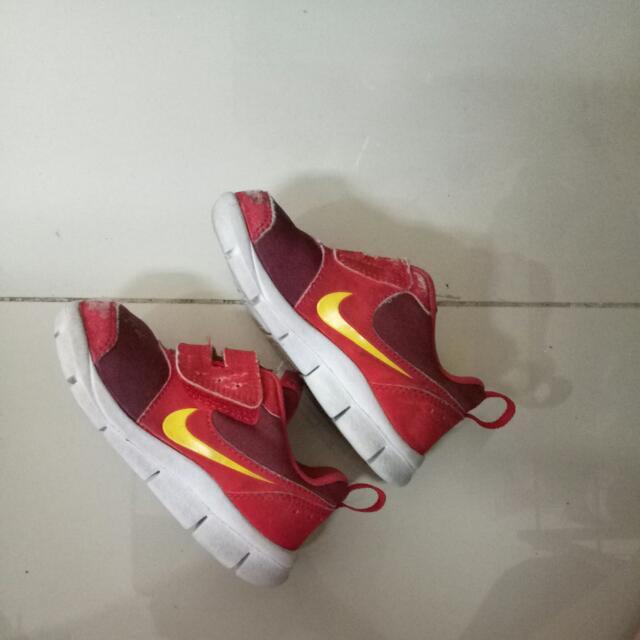 Sepatu Nike Bayi Size 22