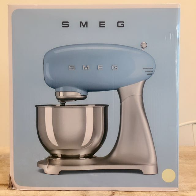 SMEG - SMF01CRAU - 50'S RETRO STYLE STAND MIXER - CREAM