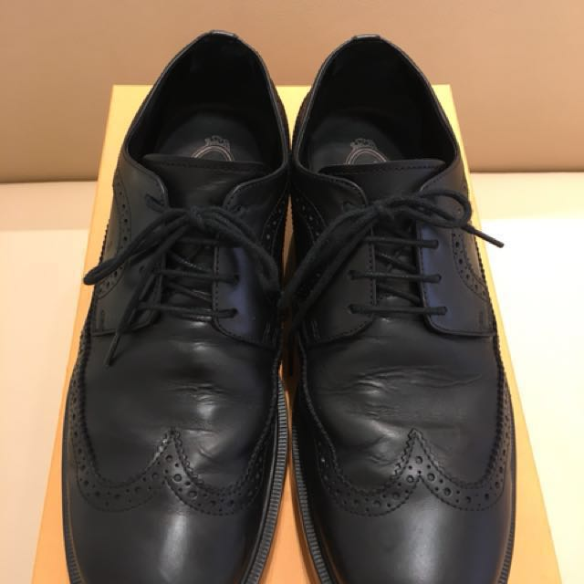 TODS 男士經典雕花輕膠底皮鞋