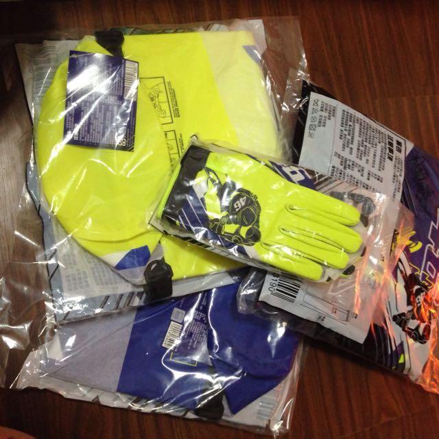 Valentino Rossi  瓦羅蒂諾 羅西 雨衣加手套 加防水袋