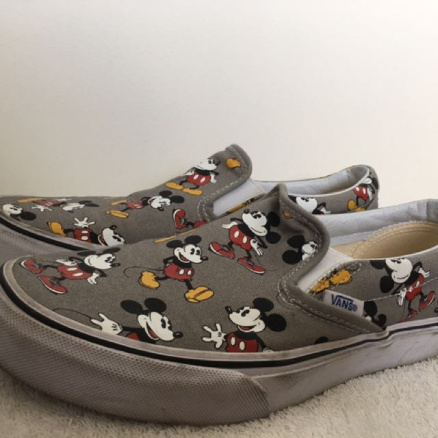 6d39d94c97 VANS Mickey edition unisex sneakers - Men (US size 6) Women (US size ...