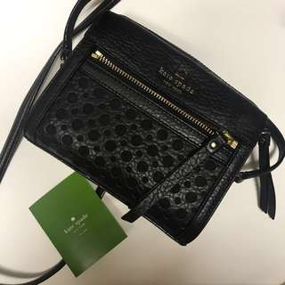 Kate spade mini size/black leather with golden stripes