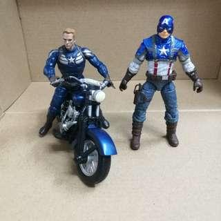 Marvel Universe, 2 x Captain America 3.75 Inch.