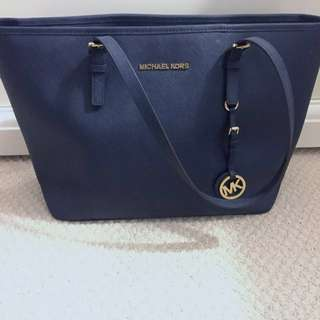 Authentic Michael Kors jet set tote *REDUCED*