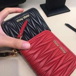 英國正品代購 Miumiu card coins zip wallet
