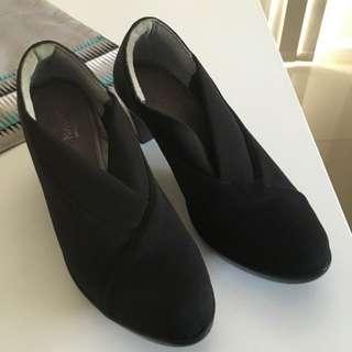 Naot Black Heel Shoes 38.5/ 7.5