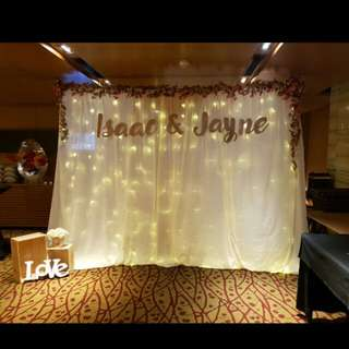[Rental] Photobooth backdrop with name banner and floor decorations