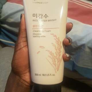 The Face Shop Rice Watee Bright Cleansing Foam