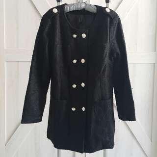 香港帶回 全新毛料黑色大衣 (特價免運)