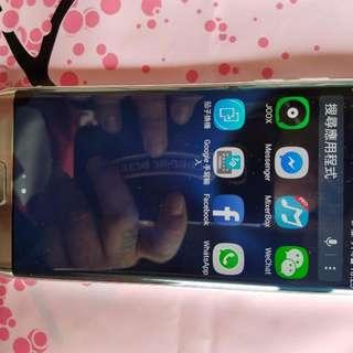 三星S7e極新32GB銀色左下面芒有黑可交换可售