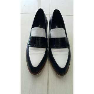 Black /white loafer shoes New size 38