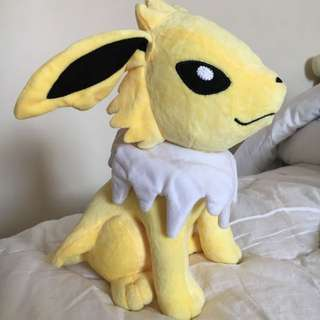 Jolteon Pokémon Plushie