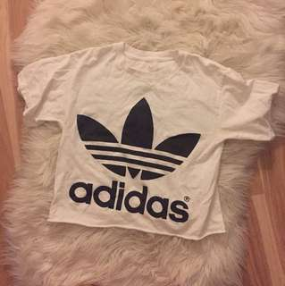 Cropped adidas shirt authentic