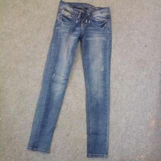 Bum Jeans