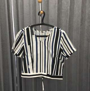 SML crop top ( size small )