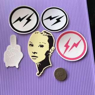 貼紙 10元商品 滑板 行李箱 筆電(透明底)