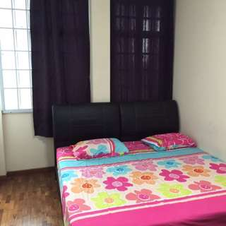 Spacious Common Room for rent in Dhoby Ghaut!
