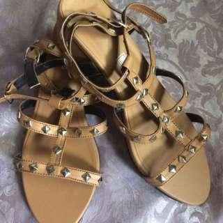 Liliw Made Sandal