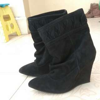 HnM Suede black boots