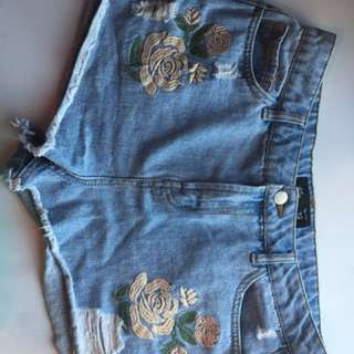 JAYJAYS flower shorts.
