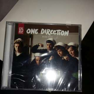 ONE DIRECTION KISS YOU EP