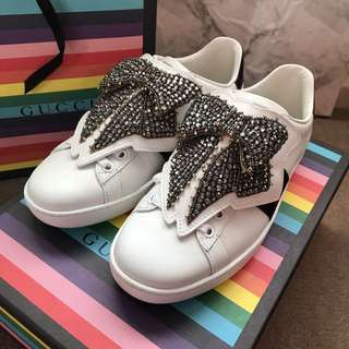 Authentic Gucci Ace Sneaker With Removable Bow Patch